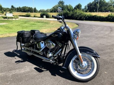 Pre-Owned 2005 HARLEY-DAVID FLSTNI